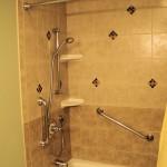 shower-tub-with-grab-bars_fs
